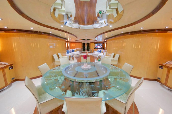 MAIN DECK – DINNING ROOM 1984 BENETTI  Displacement 1935966