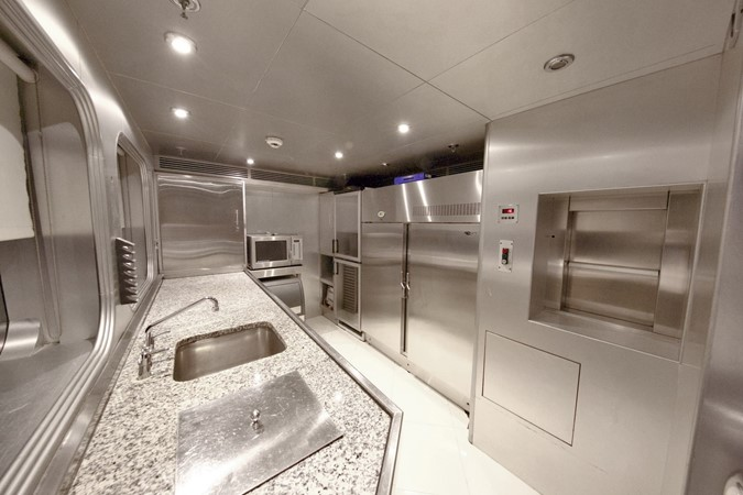 MAIN DECK – PANTRY 1984 BENETTI  Displacement 1935972