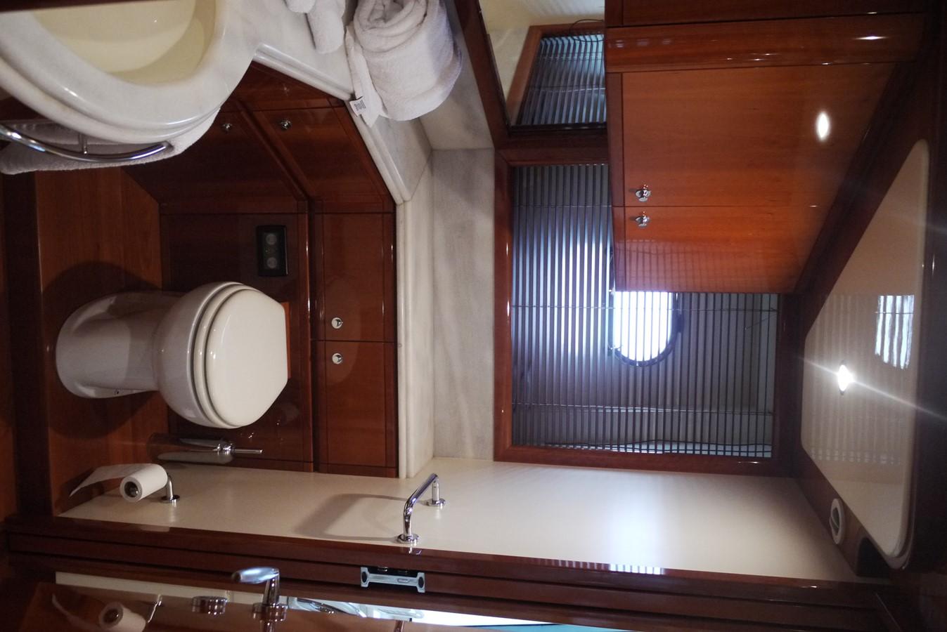 Head 2007 FERRETTI YACHTS Ferretti 881 HT Motor Yacht 1978984
