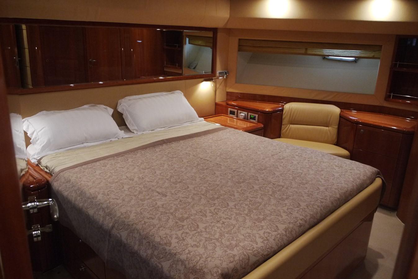 VIP cabin 2007 FERRETTI YACHTS Ferretti 881 HT Motor Yacht 1978987