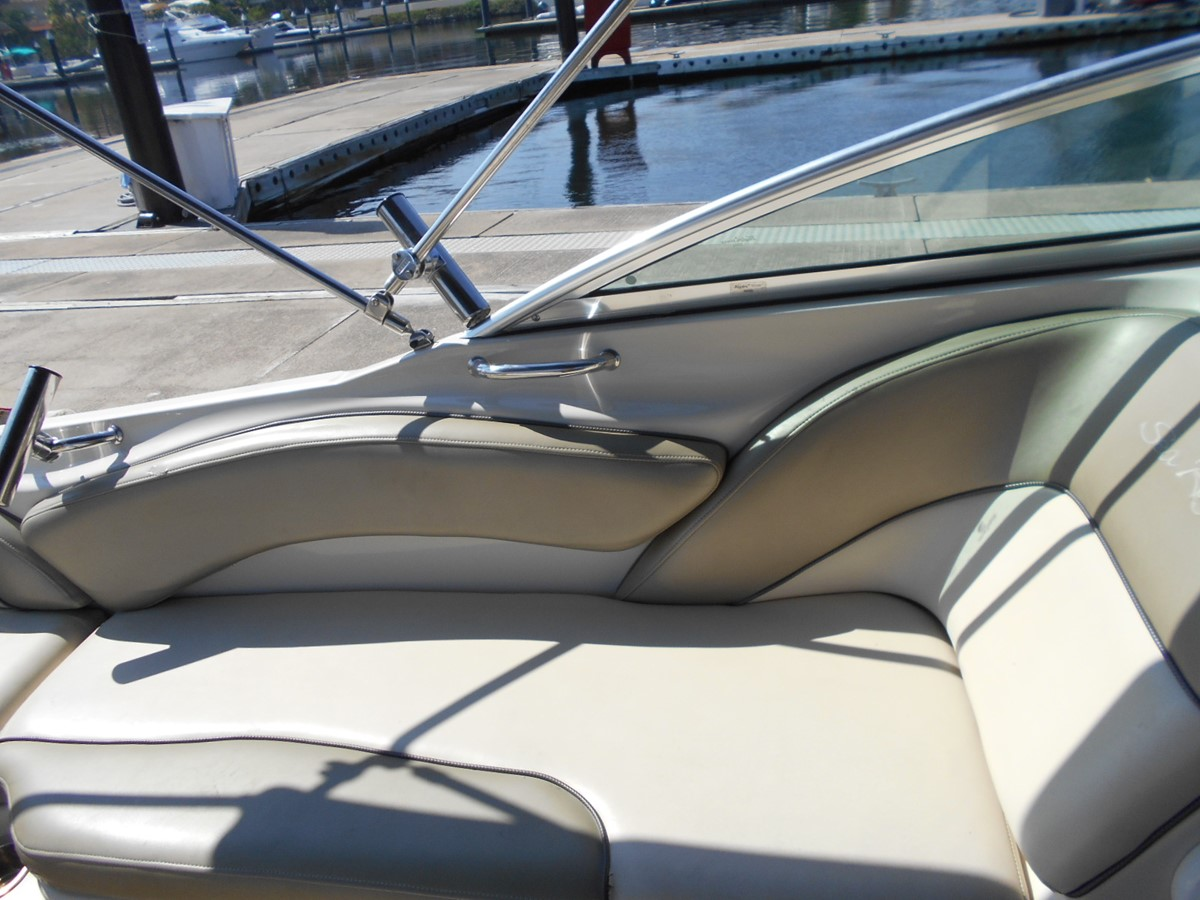 2005 SEA RAY 240 Sundeck Runabout 1962341