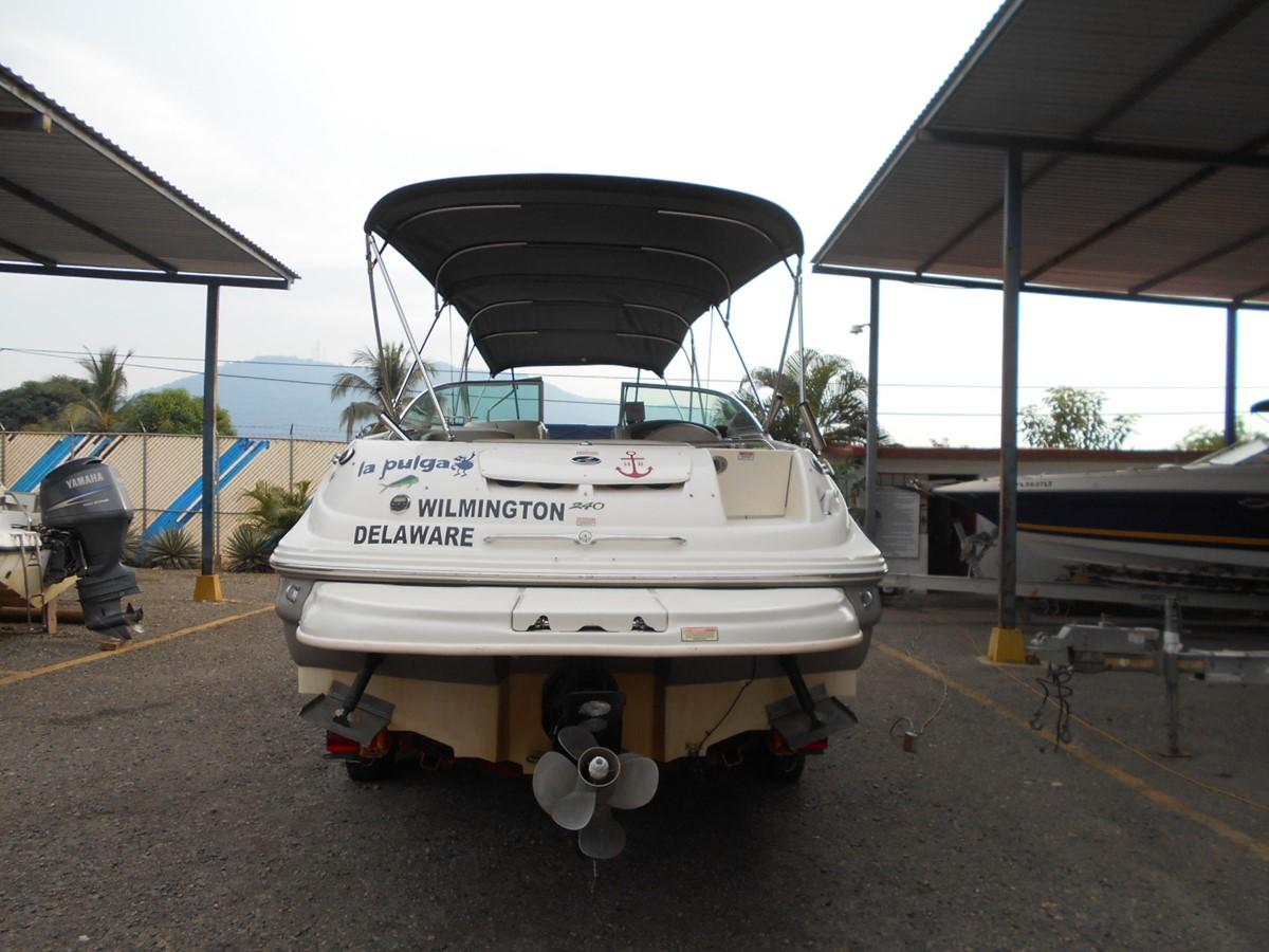 2005 SEA RAY 240 Sundeck Runabout 1962350