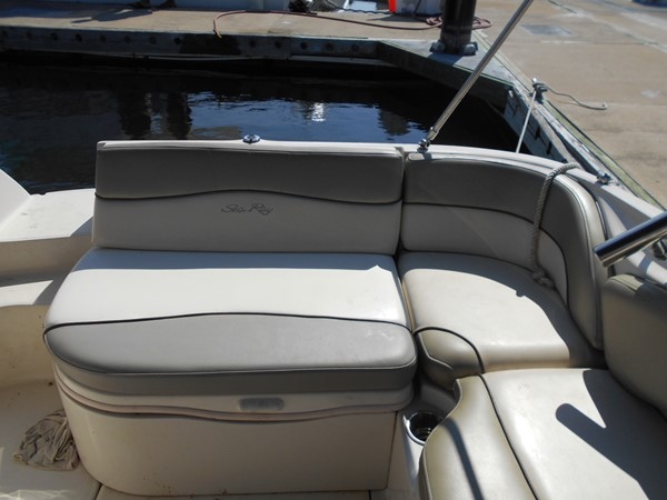 2005 SEA RAY 240 Sundeck Runabout 1962340