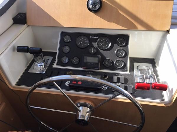 1995 CARVER 390 CPMY Motor Yacht 1963426