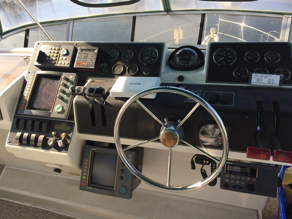 1995 CARVER 390 CPMY Motor Yacht 1963437
