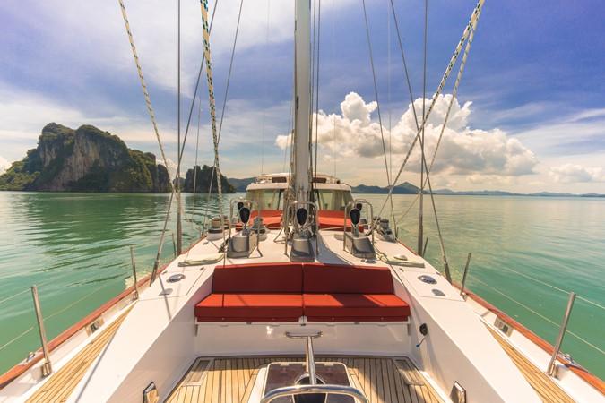 Maxi 88 Taronga front seating 1991 CIM SHIPYARD  Cruising Sailboat 1963767