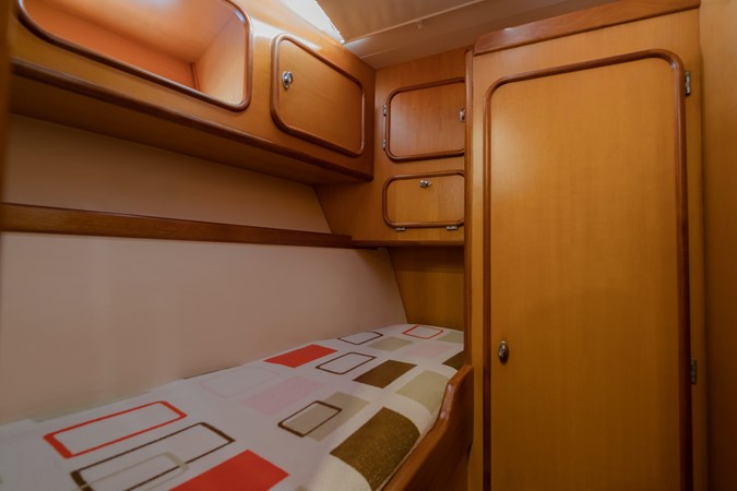 Maxi 88 Taronga crew cabin 1991 CIM SHIPYARD  Cruising Sailboat 1963774