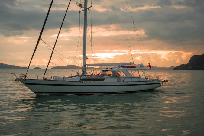Maxi 88 Taronga 1991 CIM SHIPYARD  Cruising Sailboat 1963783