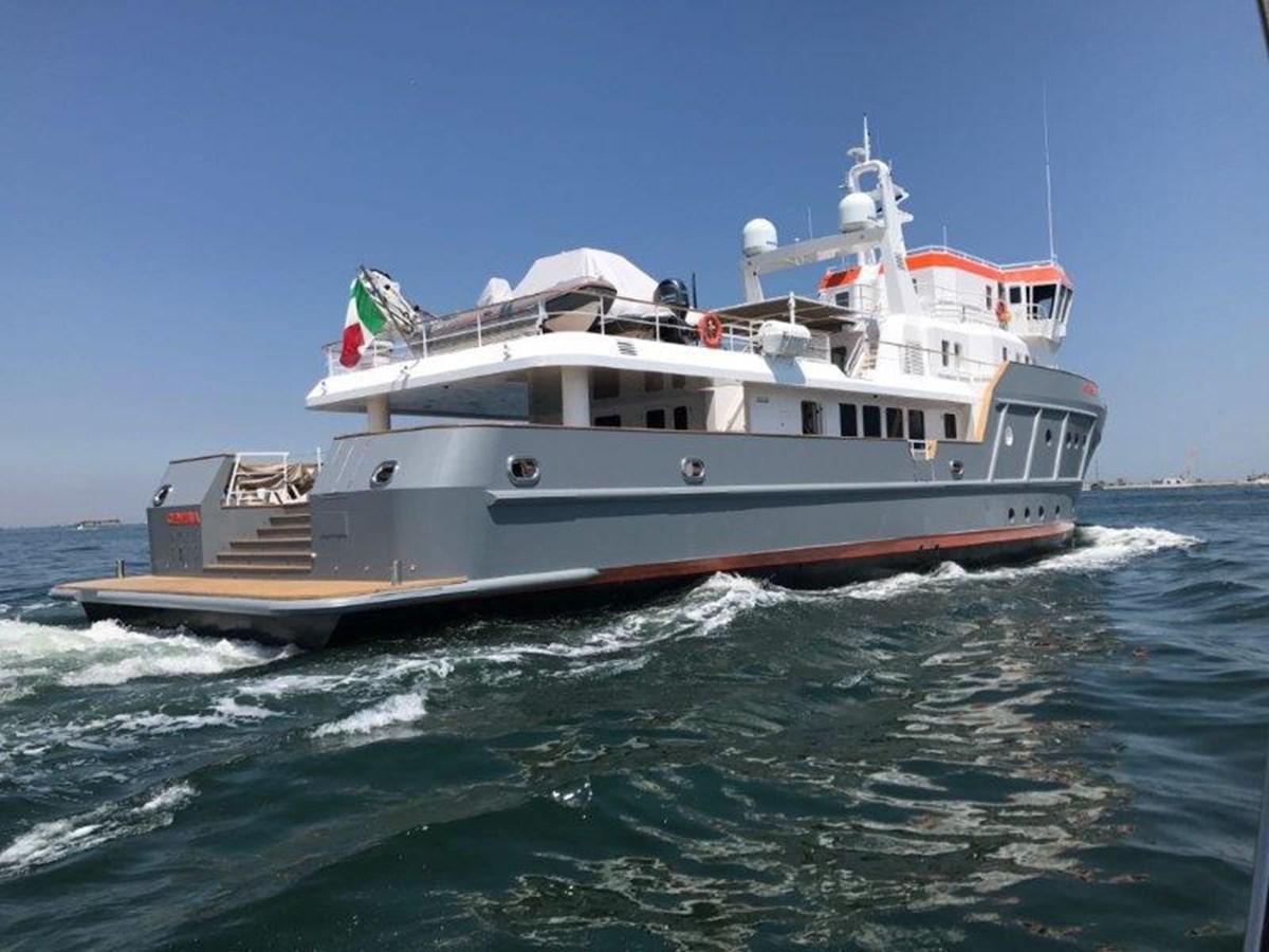 Starboard Quarter 2021 OCEAN KING   1969376