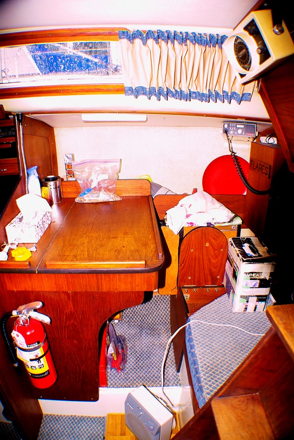 Chart table area 1977 CALGAN MARINE  Aft Cockpit 1975181