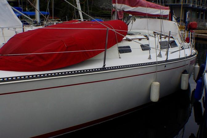 Portside 2 1977 CALGAN MARINE  Aft Cockpit 1975139