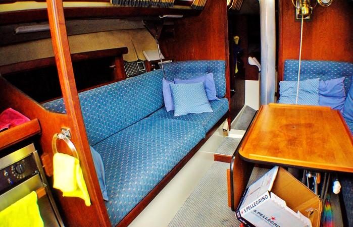 Port settee and table 1977 CALGAN MARINE  Aft Cockpit 1975158