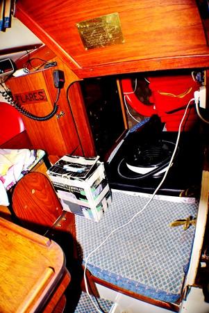 Quarter berth 1977 CALGAN MARINE  Aft Cockpit 1975182