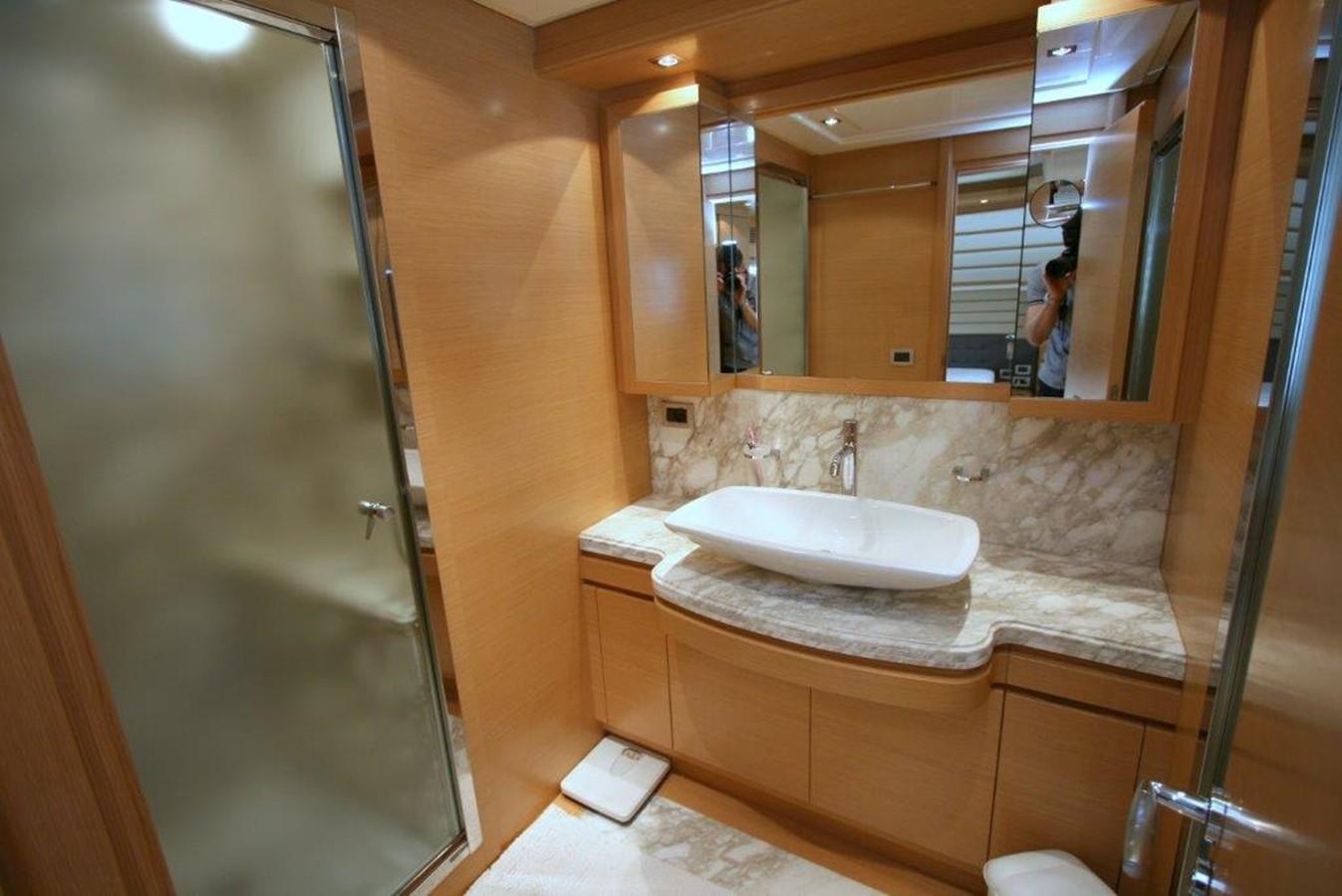 master bath 2009 FERRETTI YACHTS  Motor Yacht 1993351