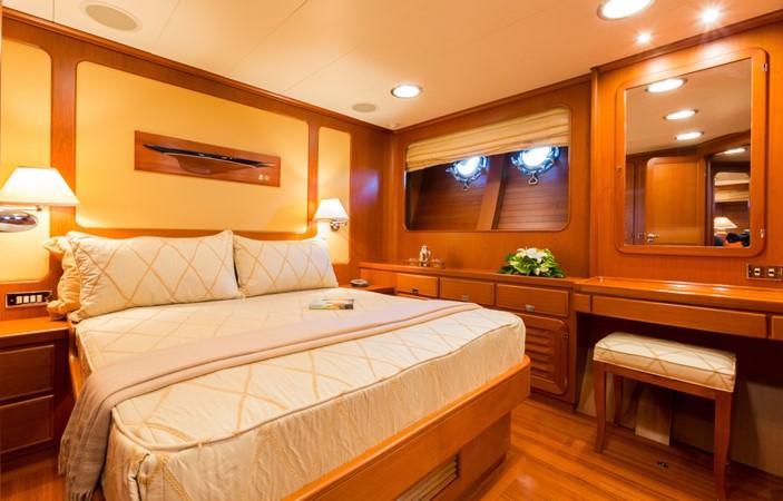 Queen Guest Stateroom 1991 PERINI NAVI Ketch Cruising Ketch 1994024