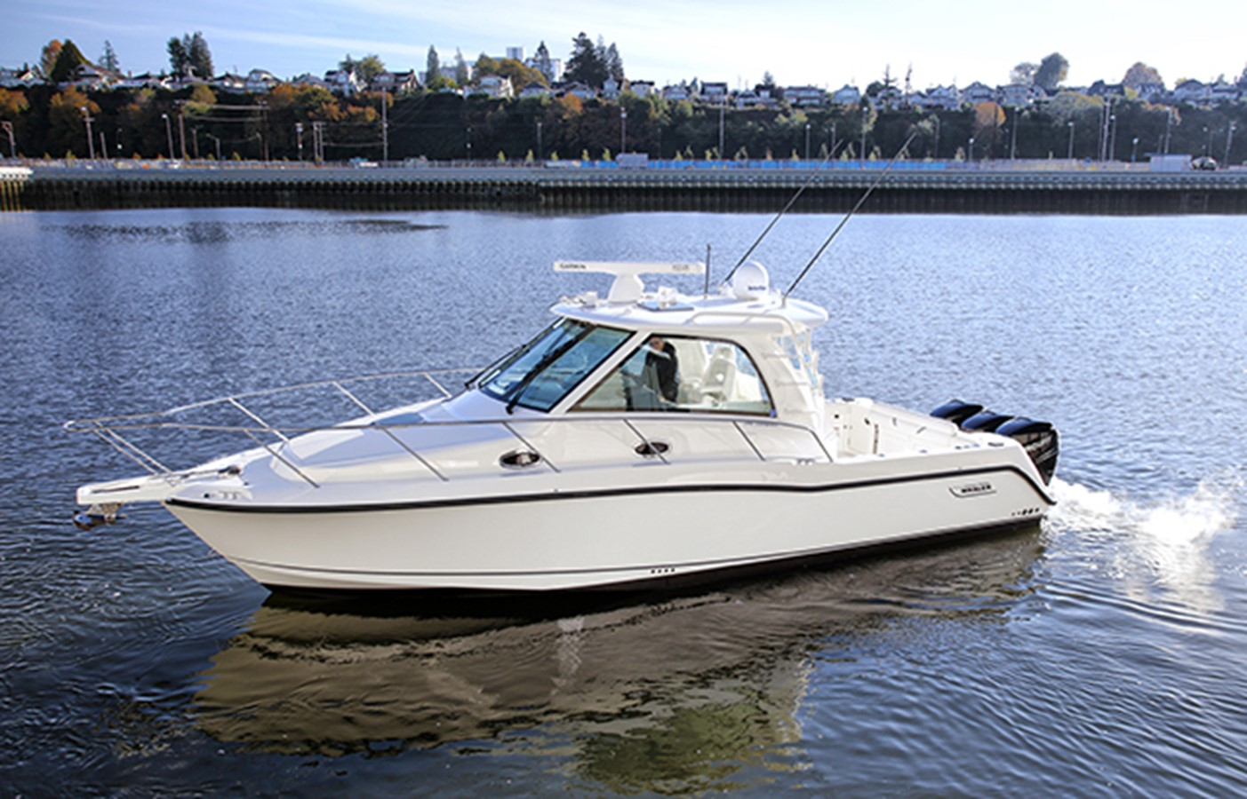 2012 BOSTON WHALER Conquest Motor Yacht 1996123