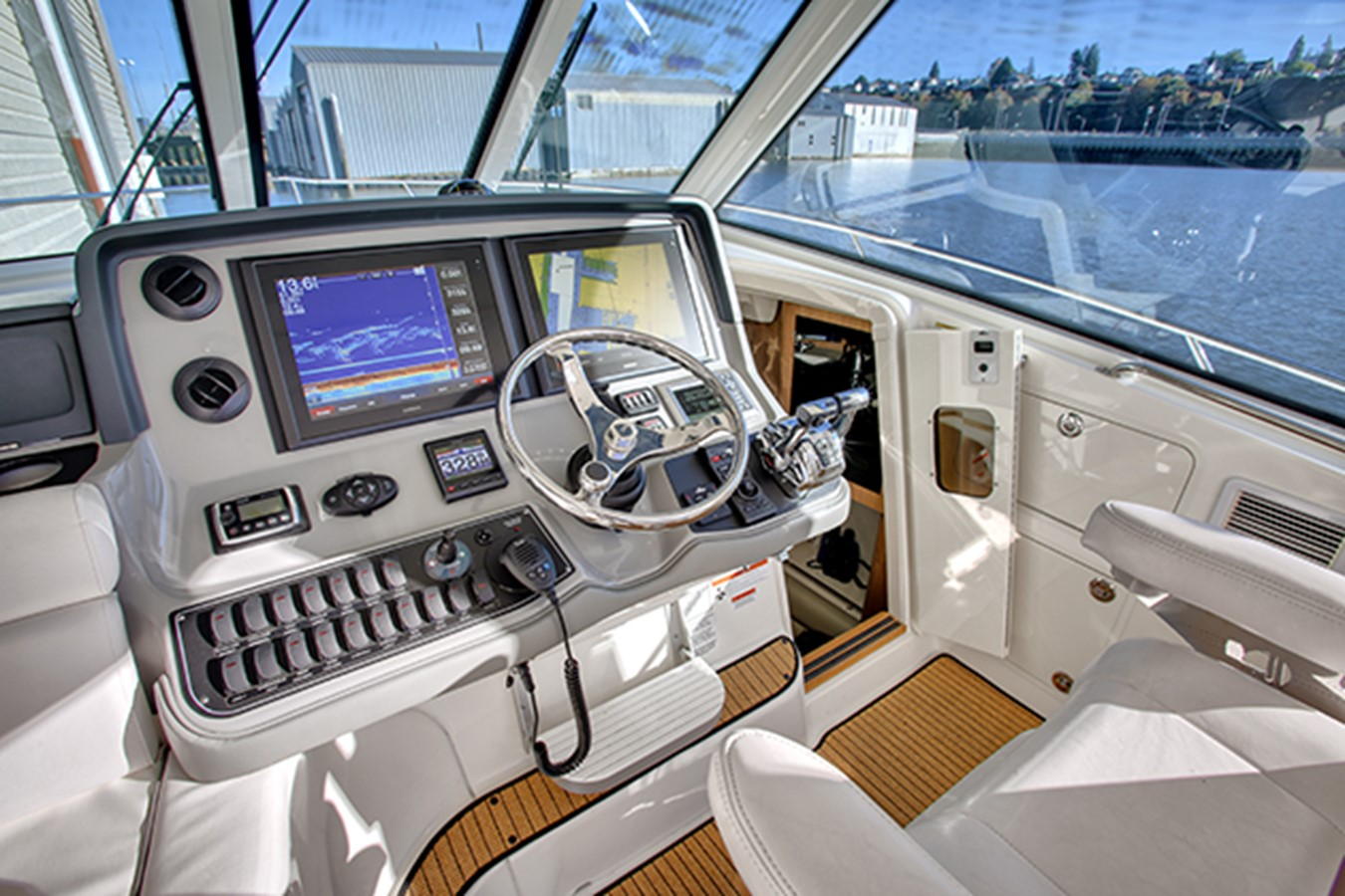2012 BOSTON WHALER Conquest Motor Yacht 1996126