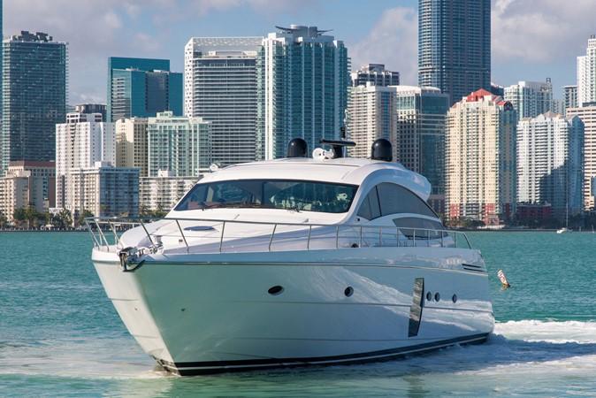 Profile 2009 PERSHING 64 Motor Yacht 1997644