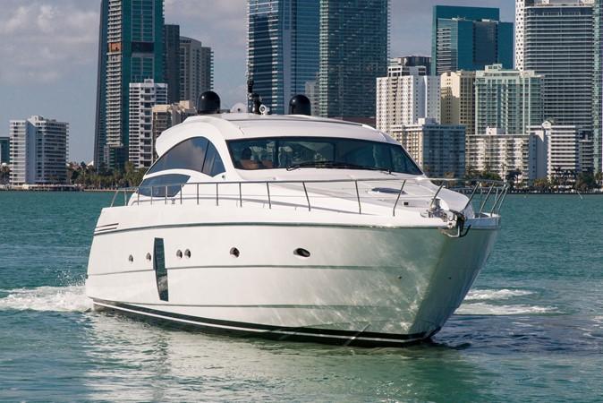 Profile 2009 PERSHING 64 Motor Yacht 1997646
