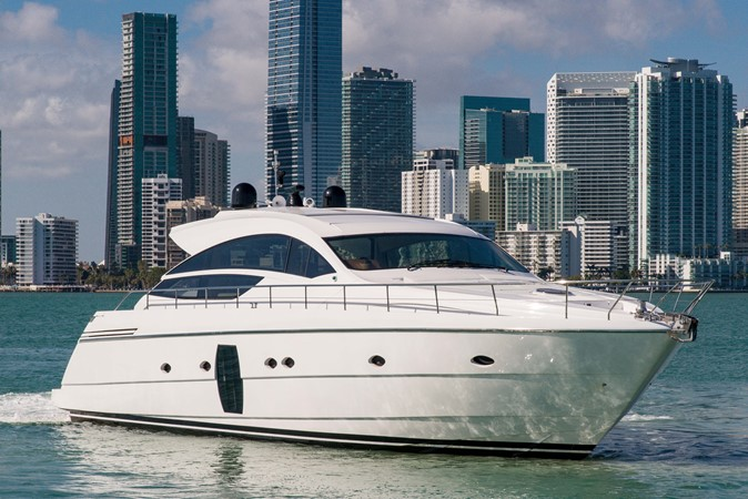 Profile 2009 PERSHING 64 Motor Yacht 1997647