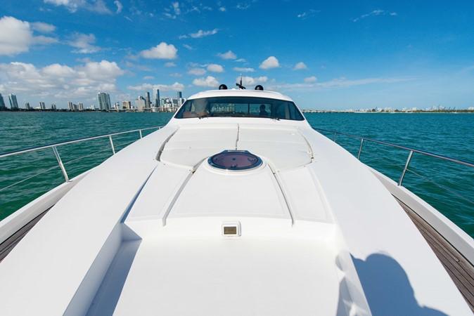 Bow 2009 PERSHING 64 Motor Yacht 1997650