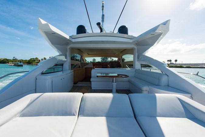 Aft Deck 2009 PERSHING 64 Motor Yacht 1997664