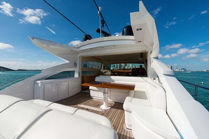 Aft Deck 2009 PERSHING 64 Motor Yacht 1997665