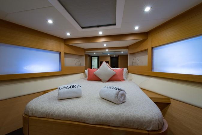 VIP Stateroom 2009 PERSHING 64 Motor Yacht 1997694