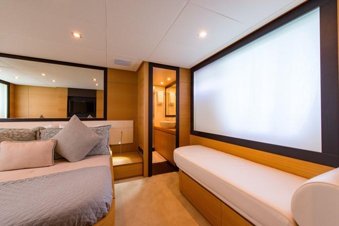 Master Stateroom 2009 PERSHING 64 Motor Yacht 1997776