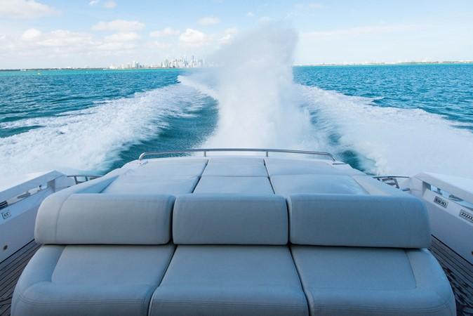 2009 PERSHING 64 Motor Yacht 1997797