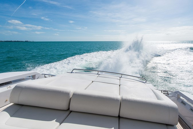 2009 PERSHING 64 Motor Yacht 1997805