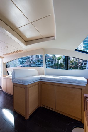 2009 PERSHING 64 Motor Yacht 1997833