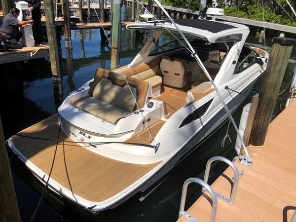 2015 SEA RAY 350SLX Runabout 2038369