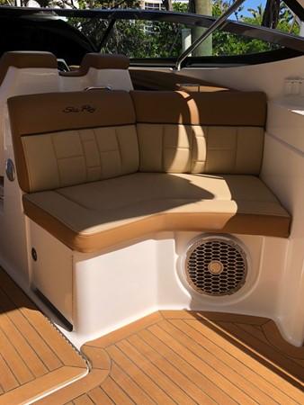 2015 SEA RAY 350SLX Runabout 2038376