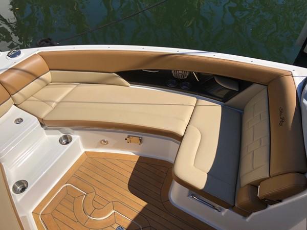 2015 SEA RAY 350SLX Runabout 2038391