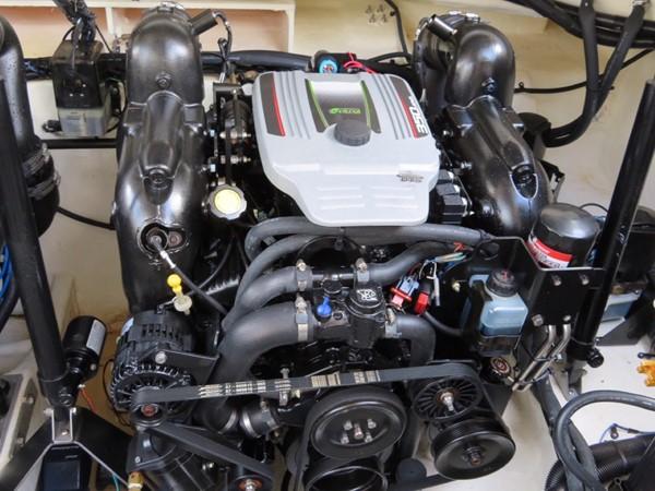 2015 SEA RAY 350SLX Runabout 2038402