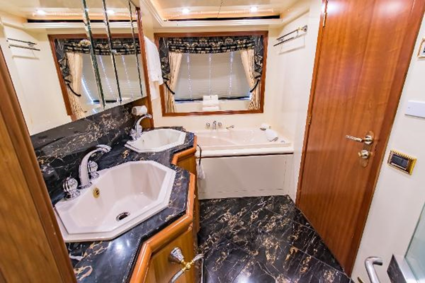 2006 SENSATION CABERNET Mega Yacht 2302853