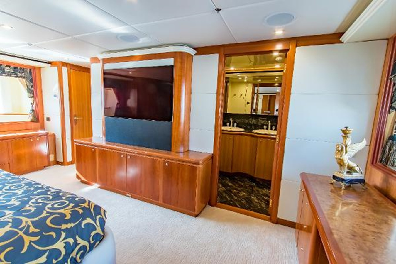 2006 SENSATION CABERNET Mega Yacht 2302855
