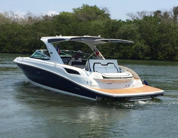 2017 SEA RAY 350 SLX Runabout 2614306