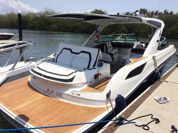 2017 SEA RAY 350 SLX Runabout 2614311