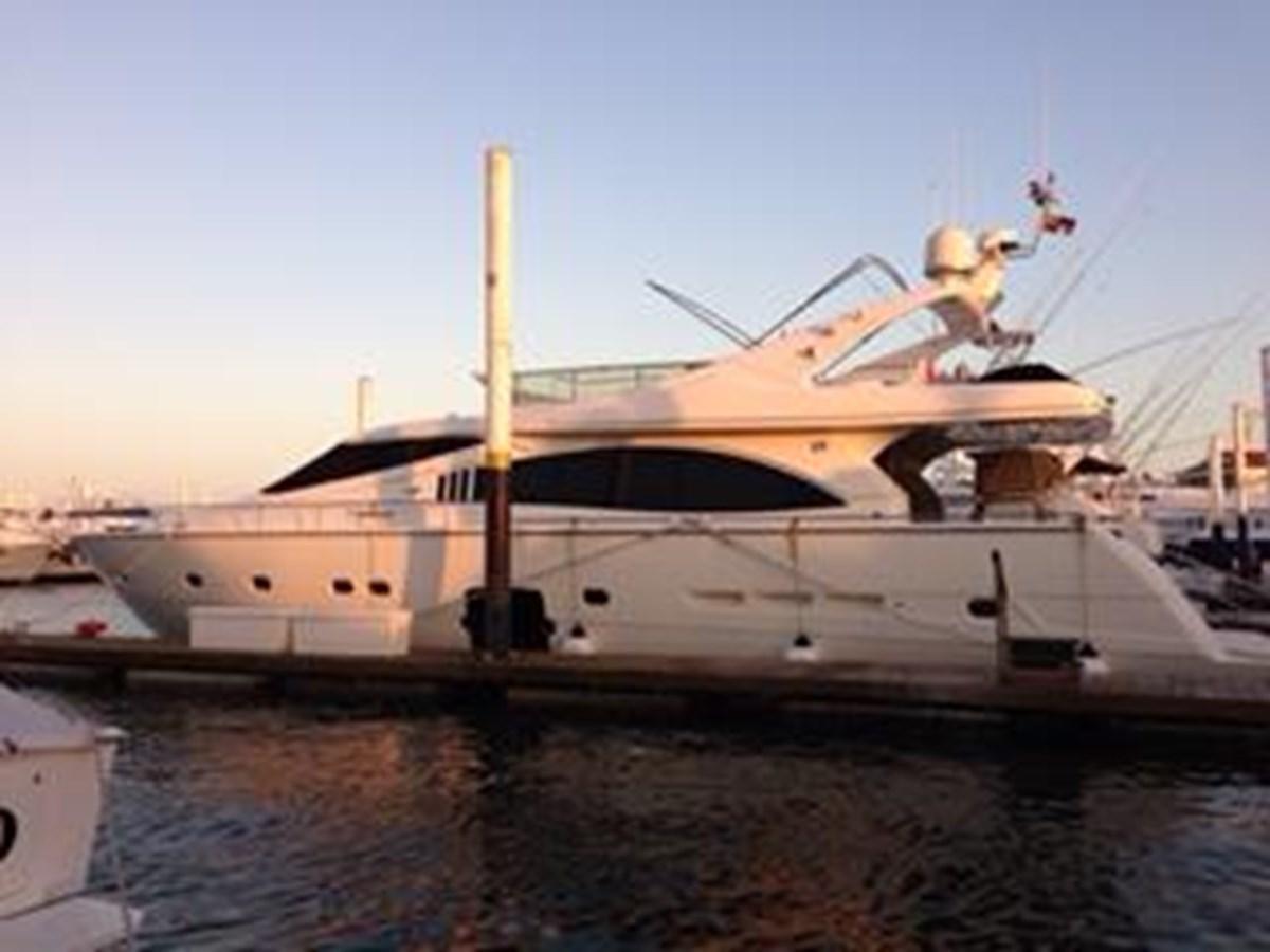 2005 FERRETTI YACHTS  Mega Yacht 2036977