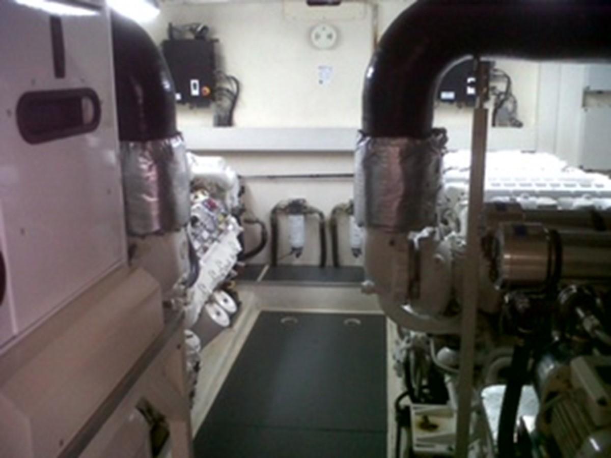 2005 FERRETTI YACHTS  Mega Yacht 2036983