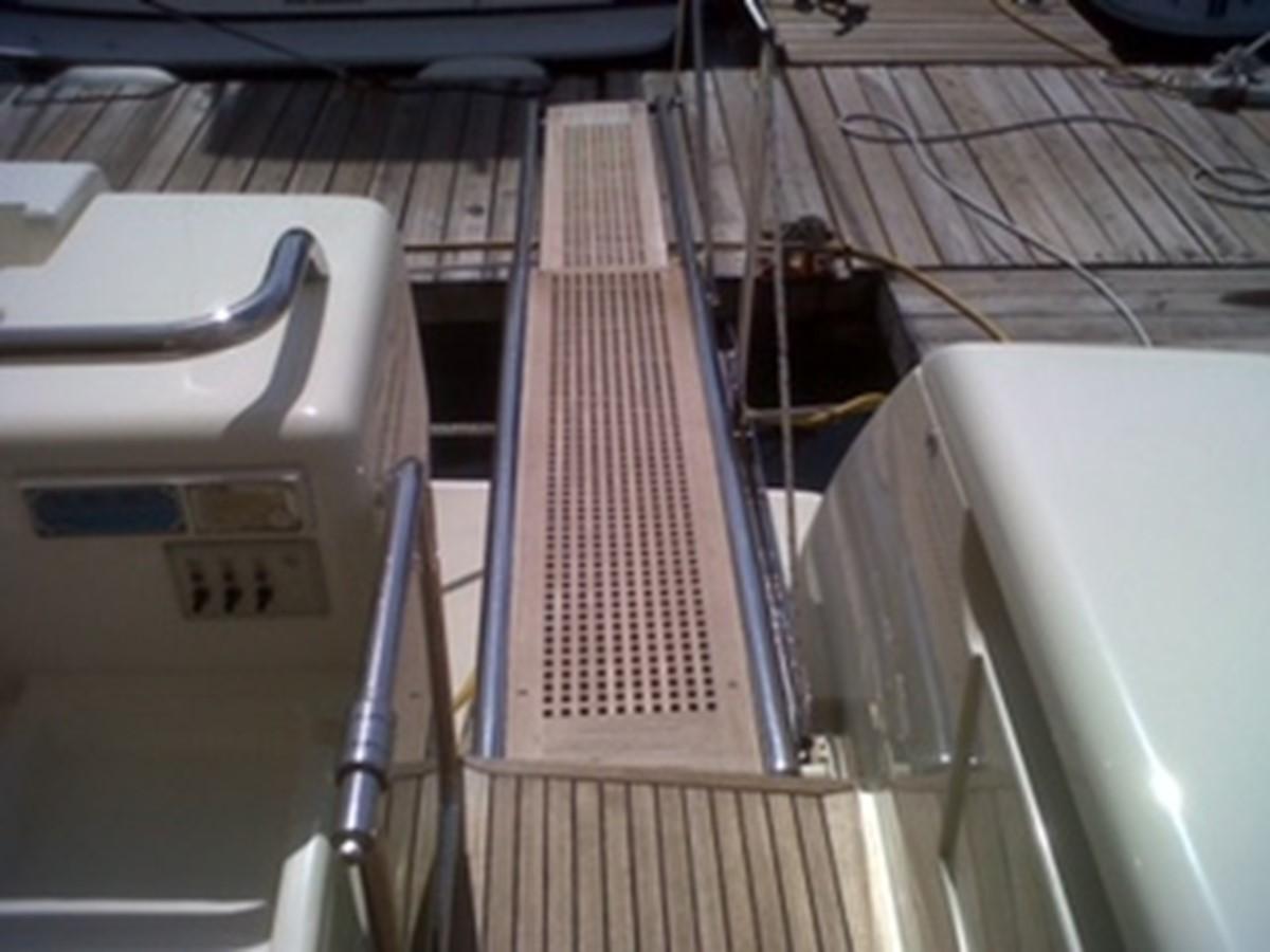 2005 FERRETTI YACHTS  Mega Yacht 2036987