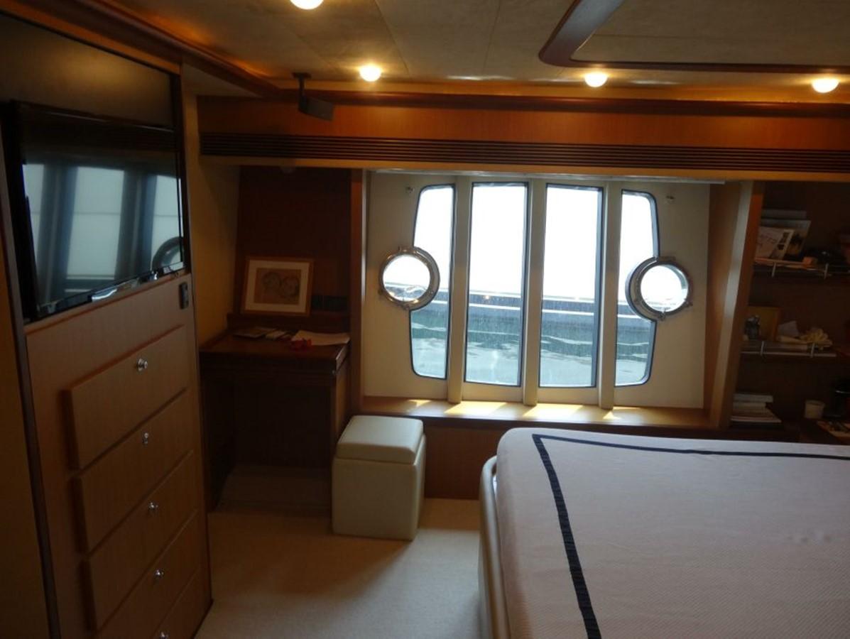 2005 FERRETTI YACHTS  Mega Yacht 2036991