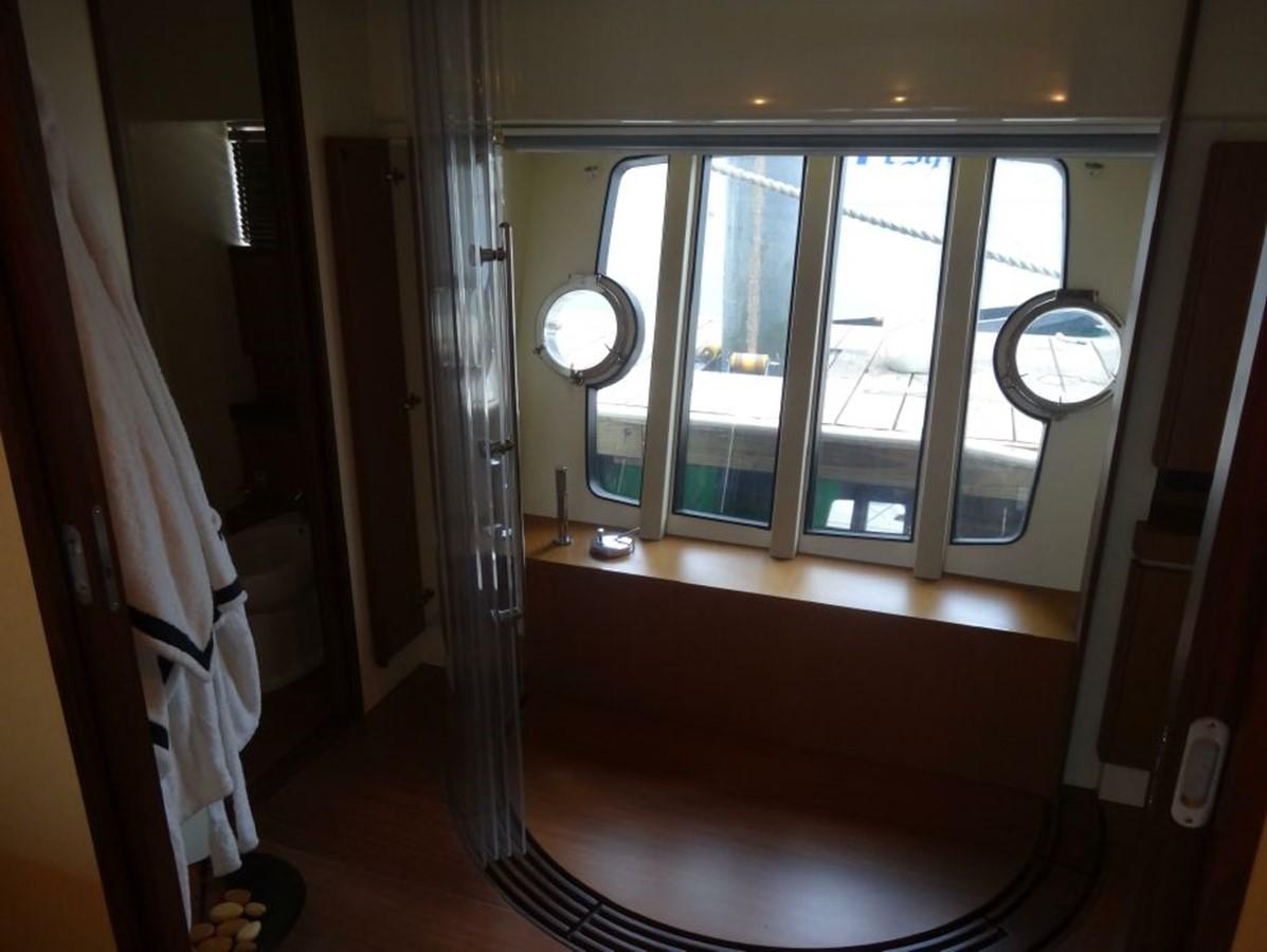 2005 FERRETTI YACHTS  Mega Yacht 2036996