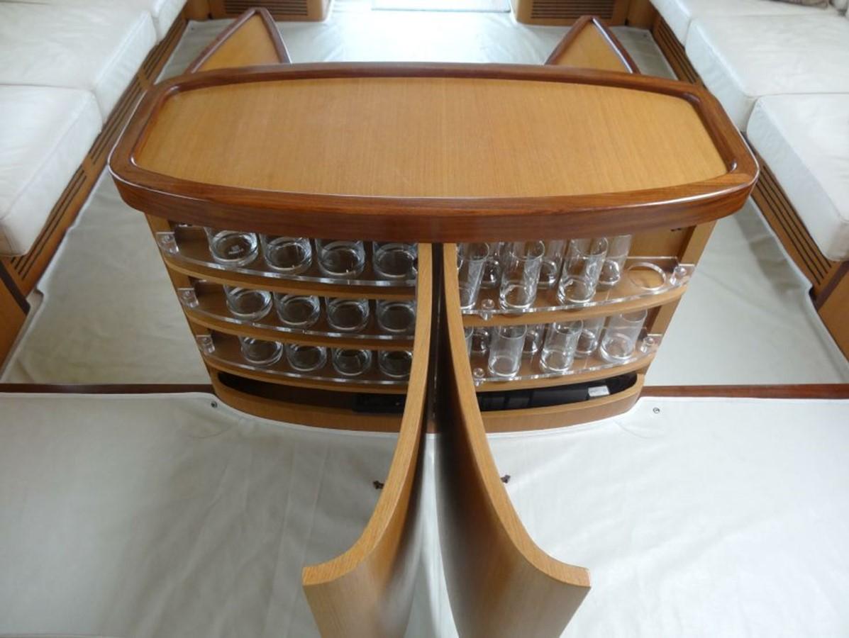 2005 FERRETTI YACHTS  Mega Yacht 2037020