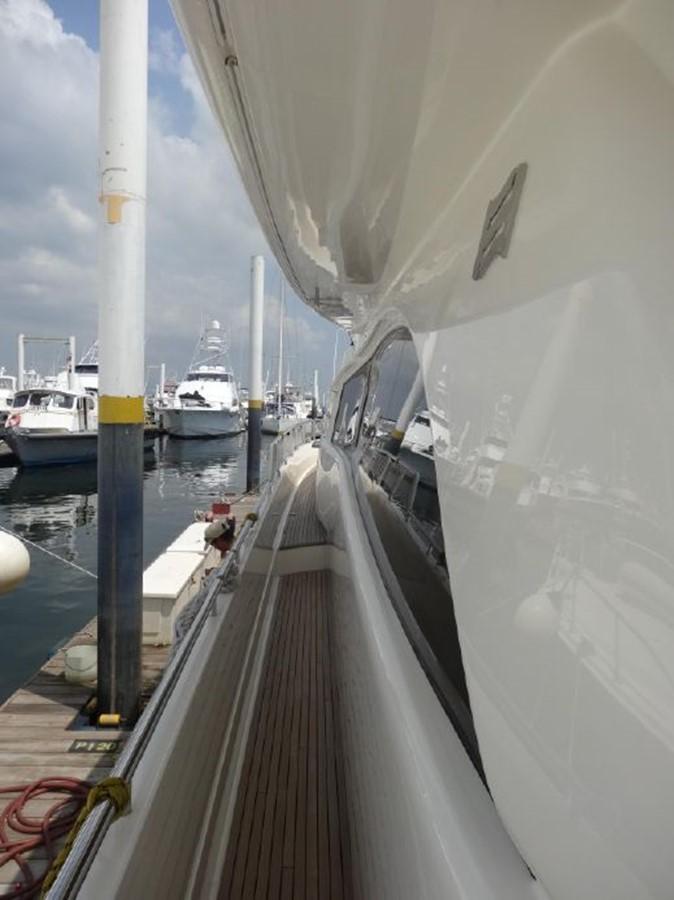 2005 FERRETTI YACHTS  Mega Yacht 2037036