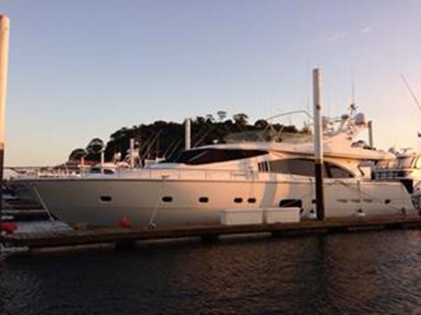 2005 FERRETTI  Mega Yacht 2036978