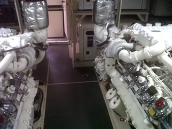 2005 FERRETTI  Mega Yacht 2036981