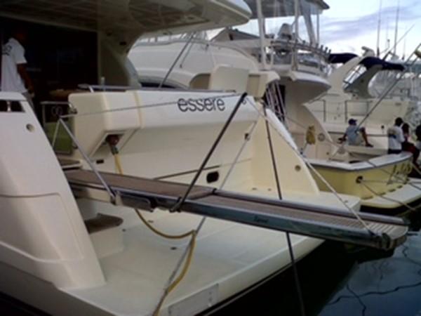 2005 FERRETTI  Mega Yacht 2036986